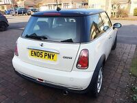 Mini Cooper 1.6 (BEAUTIFUL CONDITIONED CARD WITH LOW MILEAGE)