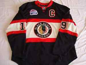 Johnathan Toews Winter Classic 2009 jersey