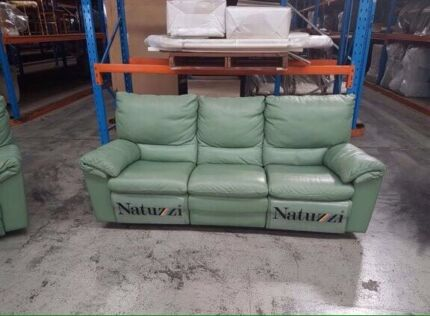 Natuzzi 3 seater 2X single seater leather recliner lounges NEAR NEW!!