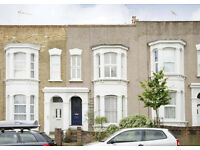 2 bedroom flat in Powerscroft Road, London, E5