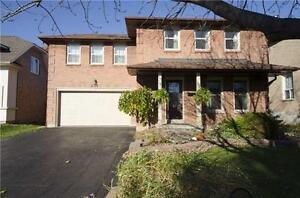 2-Storey Detached Home 3 Bed / 2 Bath in River Oaks
