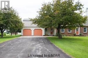 Beautiful 5 bedroom house on 2.75acres