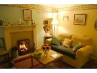 COSY PORTSOY FURNISHED COTTAGE, SUIT PROFESSIONAL/COUPLE. ONE SPACIOUS BEDROOM AND 2 OPEN FIRES