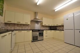 * Stunning 7 Bed Student Accommodation * Available Aug 2016 * BILLS INCLUDED *