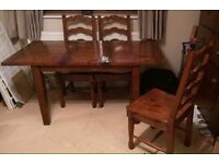 Irish Coast brand Dining / Kitchen Table & 4 chairs (extends to seat 6).