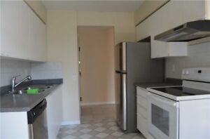 Steeles/Bathurst 2BR, 2WR Condo $2150/m See pictures