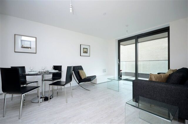 1 bedroom flat in Connaught Heights, Bramwell Way, Silvertown
