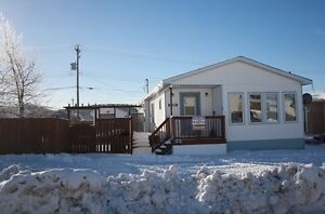 3 Bedroom Home, Large Lot & Detached Garage! 4036 Harrie Lake