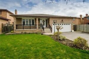 Premium 3 Beds 2 Baths House In Mississauga For Lease