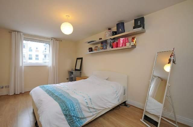 Wimbledon, 2 Double bedroom Flat. Avail APRIL, Ideal for transport, shops, amenities. Proff Sharers