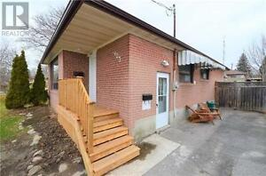 WHITBY UPPER LEVEL $1600/MONTH - BROCK & ROSSLAND