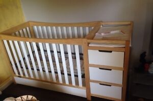 Brand new 4in 1 crib