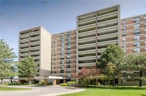 2 Bed Plus Den Condo Apt For Sale In Clarkson!!