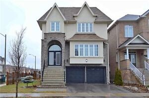 Luxurious Detached Home In Prime Area In Richmond Hill!