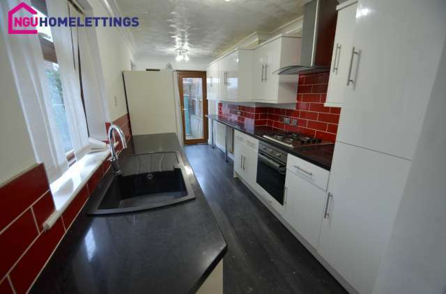 3 bedroom house in Northern Road, Middlesbrough, TS5