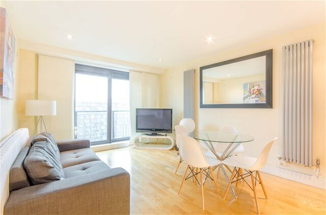 2 bedroom flat in 41 Millharbour, Canary Wharf | in Isle of Dogs ...