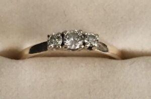 Lovely 14k Gold & Diamond Ring