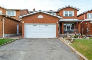 Welcome Home! Bright & Spacious 2064 Sqft (Mpac), 4Bed/4Bath,