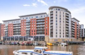 2 bed, 2 bath penthouse with amazing canal and river views