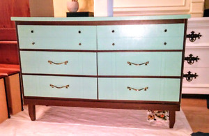 Art deco style 6 drawer dreser in mint conditon