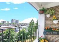 2 bedroom flat in Talgarth Road, London, W6 (2 bed)