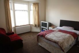All Inclusive Huge Double Rm!! 8 Min to Wood Green