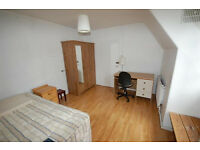 Two bedroom flatshare conveniently centrally located on High Street