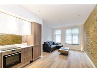 Studio flat in Lawn Lane, Vauxhall