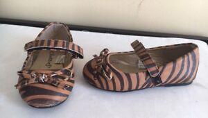 Toddler Sz 5/6 shoes