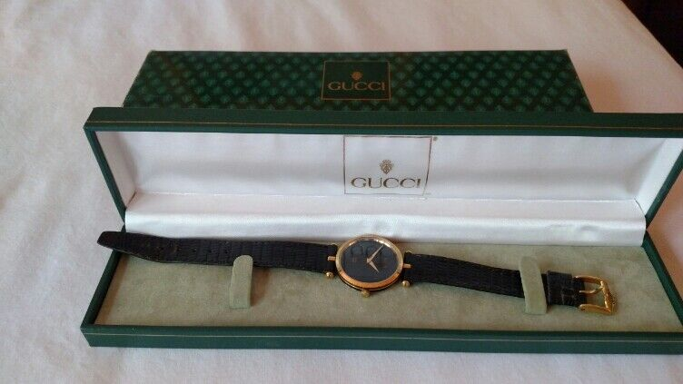 Gucci Watch Mens Black Face Gold Case Black Leather Strap preowned