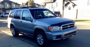 Nissan Pathfinder 2000 LE