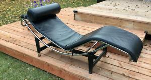 Le Corbusier LC4 Lounge Chair Black Leather
