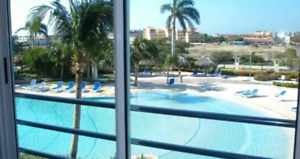Majestic View Three-bedroom Beachfront Condo – E221 (1145)