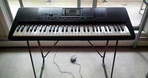Yamaha PSR 220 Touch Sensitive - with stand.