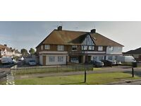 To Let: Large Double Room / Lancing / w.sussex - £450pcm (with all counc tax + bills incl.)...