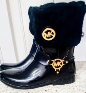 * Flash Sale! * Authentic Michael Kors Rainboots w/ MK socks $12