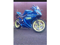 YAMAHAH YZF R125 2009 59 plate baby r6 high spec READ