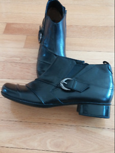 Marc Softwalk Black Leather Zip Fastening Low Heel Ankle Boots