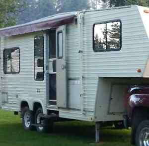 5 th wheel camper