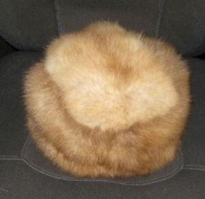 60d282e239005 Vintage Fur Hat