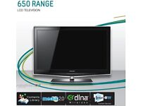 Samsung 40inch crystal LCD platinum black TV with stand