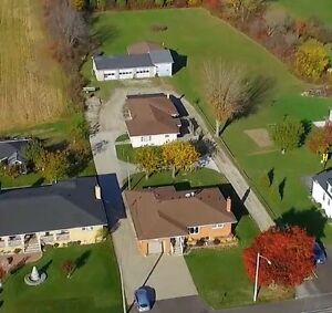 Approx. 5 acres, 2 homes, 2 shops in Beautiful Amherstburg! Windsor Region Ontario image 1