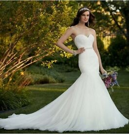 Flattering Fit & Flare Essence of Australia Wedding Dress -Size8