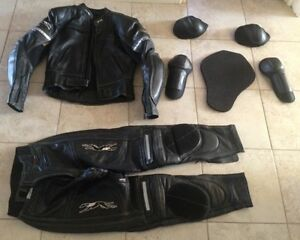 Manteau, pantalon cuir Motorcycle Leather jacket and track pants