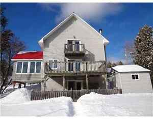Fully Furnished Waterfront House for Rent - Calabogie - $1700 /M
