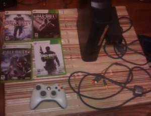 Xbox 360 Elite with 120GB + 1 Controller + 4 Games + Cables