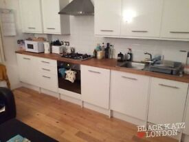 Modern Stunning 3 bed minutes to Archway Station! 460pw