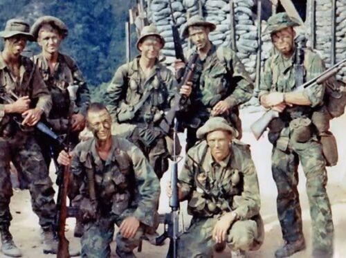 Vietnam War USMC 1st Recon Battalion Patrol 1970 Old Grainy Glossy 8x10 Photo