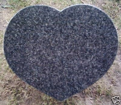 Grabherz aus Granit- Schrift &Ornamente incl. 40x3x30cm
