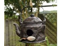 Novelty Rustic Kettle Bird House Hatching & Nesting Box for Small Garden Birds £10